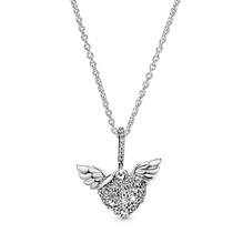Pavé Heart and Angel Wings ネックレス